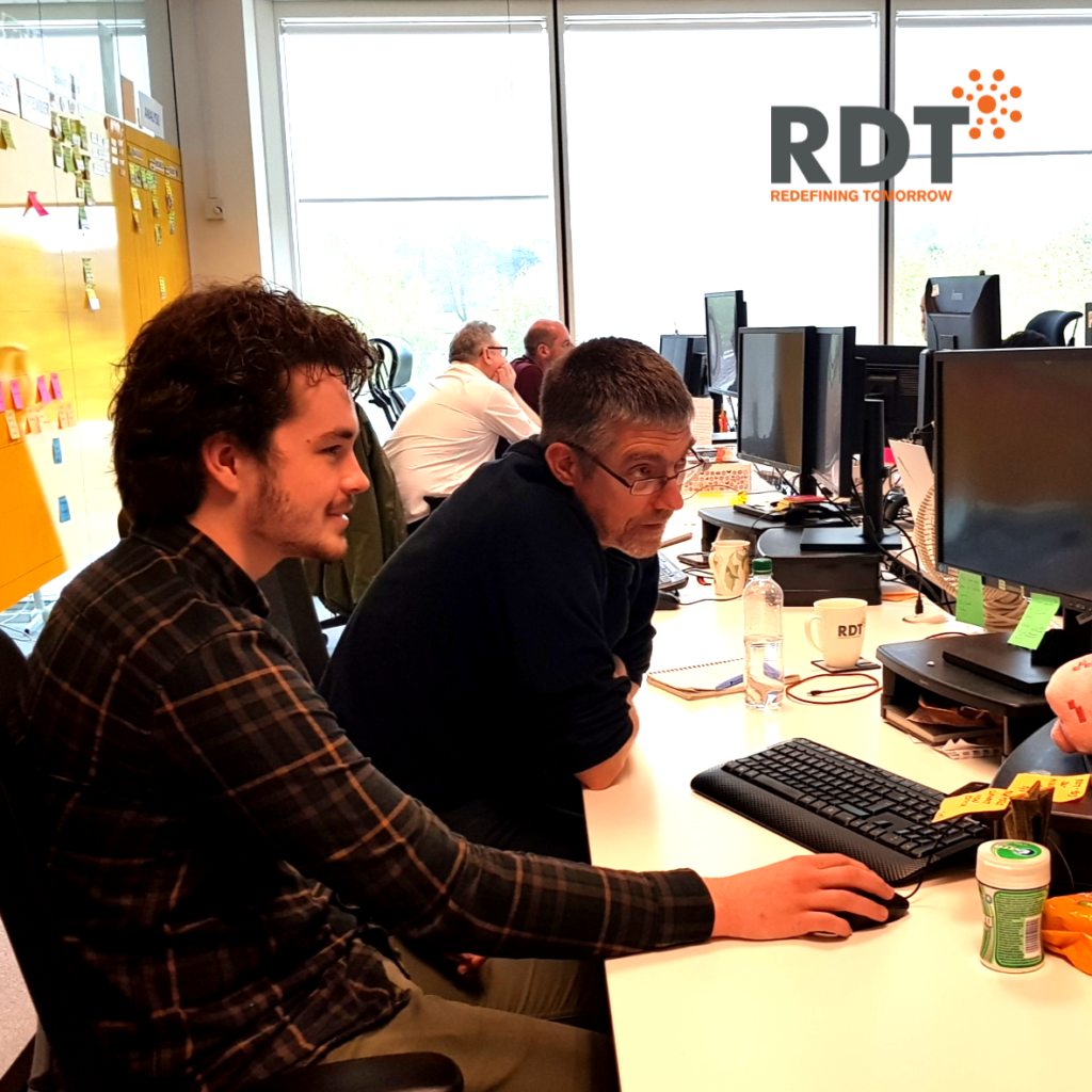 RDT employees sharing knowledge